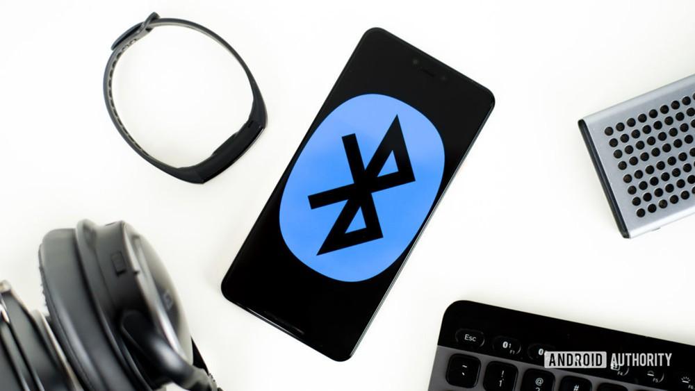 Bluetooth-devices-stock-photo-1-1200x675